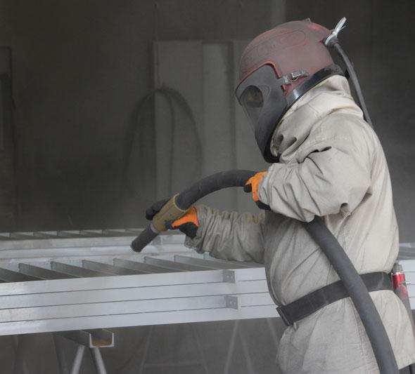 b+p AG, Sand-, Staub- und Glasperlenstrahlen, Reinigung Oberflächen, Beschichtungstechnik